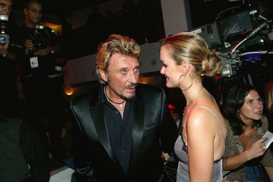 Johnny Hallyday et Laeticia à Paris en 2003.
