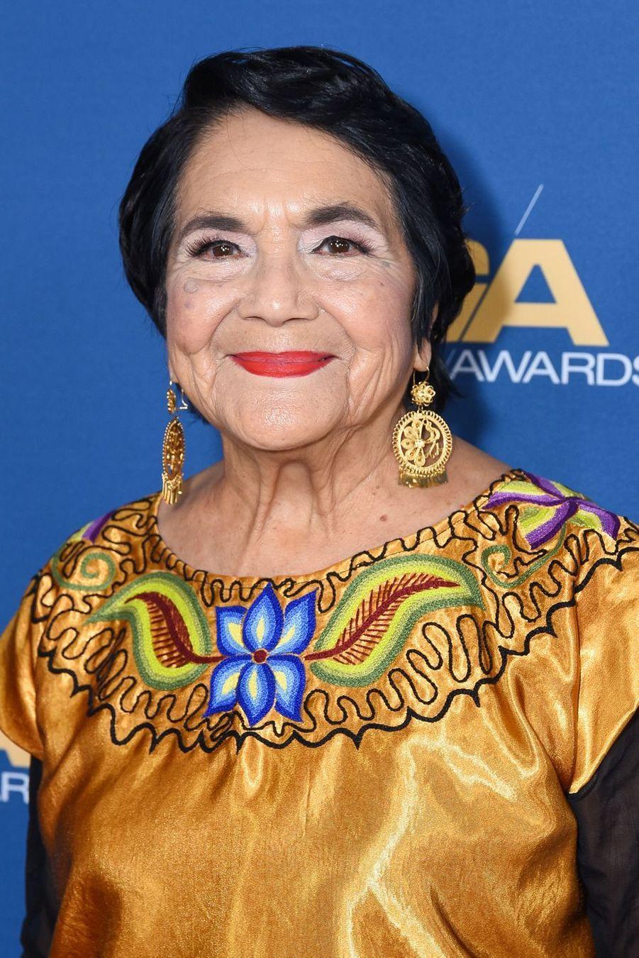 Considérée comme un modèle latino, Dolores Huerta (88 ans) encourage les femmes à marquer l'histoire à travers des combats écologique, politique et sociaux.