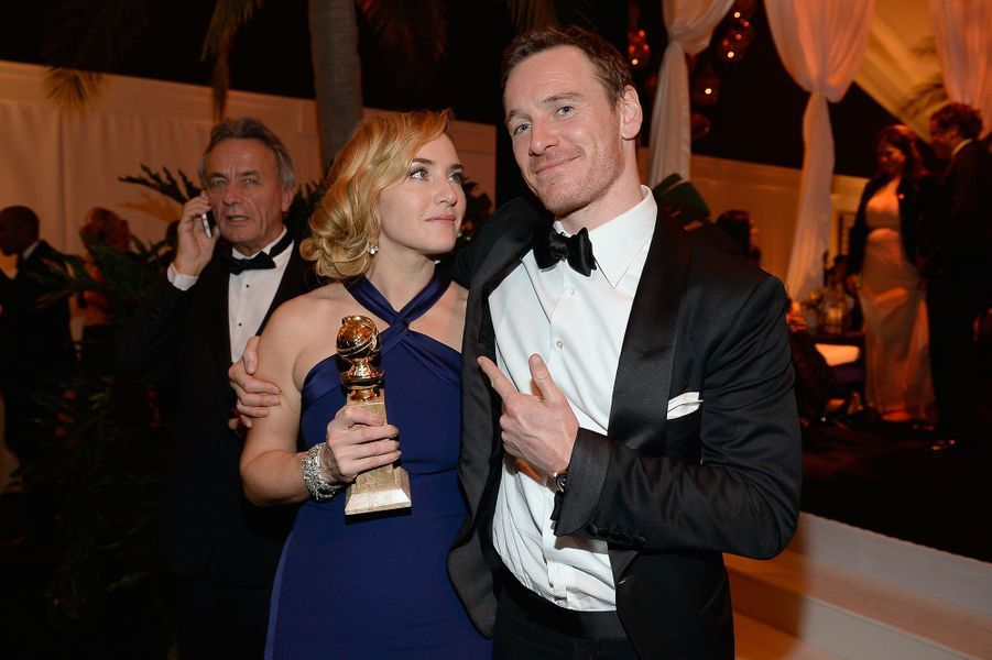 Kate Winslet dans les bras de Michael Fassbender en 2016.
