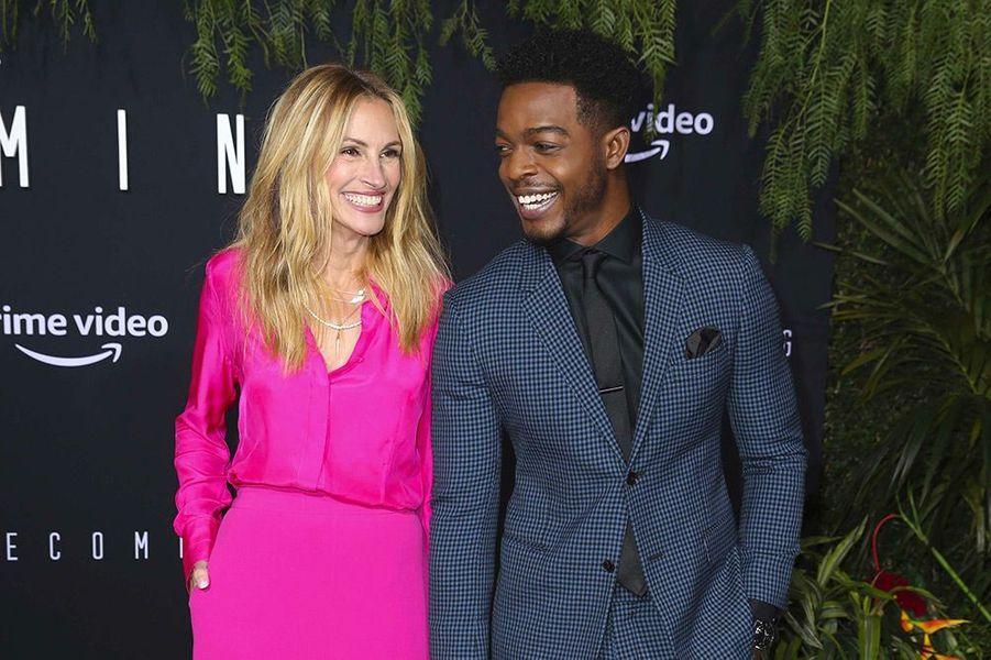 "Julia Roberts et Stephan James à la première de ""Homecoming"" à Los Angeles, mercredi 24 octobre"