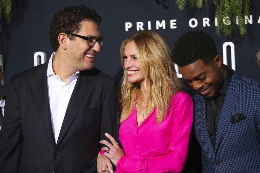 """Sam Esmail, Julia Roberts et Stephan James à la première de """"Homecoming"""" à Los Angeles, mercredi 24 octobre"""
