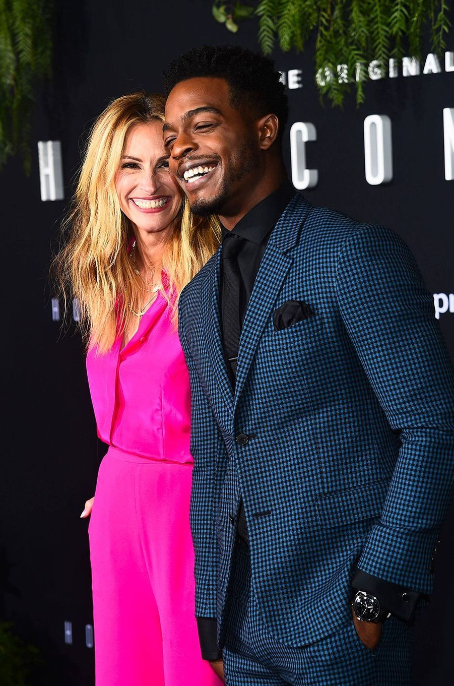 "Julia Roberts et Stephan James à la première de ""Homecoming"" à Los Angeles, mercredi 24 octobre"