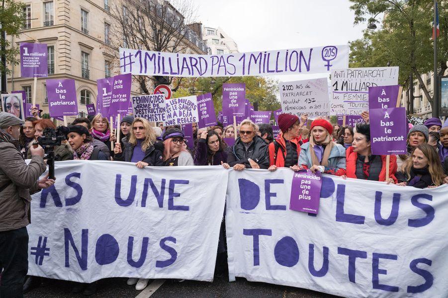 Alexandra Lamy, Marilou Berry, Muriel Robin et sa femme Anne Le Nenlors de la marche contre les violences sexistes et sexuelles organisée par le collectifNousToutes à Paris le 23 Novembre 2019.
