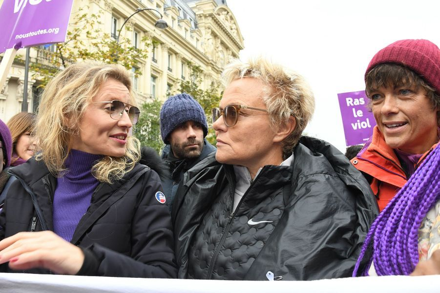 Alexandra Lamy, Muriel Robin et sa femme Anne Le Nenlors de la marche contre les violences sexistes et sexuelles organisée par le collectifNousToutes à Paris le 23 Novembre 2019.