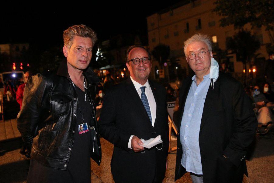 Benjamin Biolay, François Hollande et Dominique Besnehardà la projection de nuit du film «Anna» (hommage à Anna Karina) lors du Festival du film Francophone d'Angoulême le 1er septembre 2020