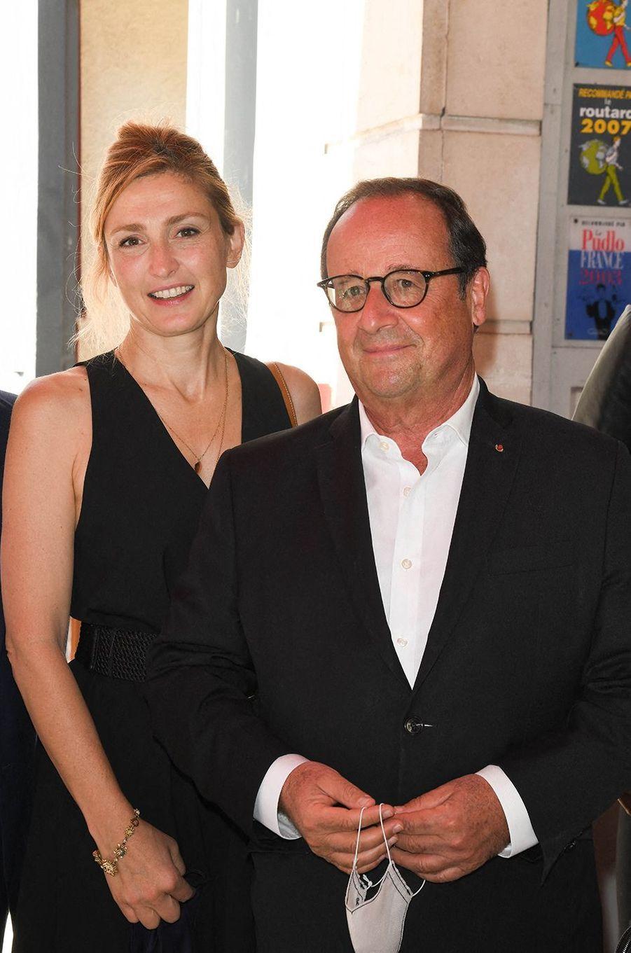 Julie Gayet et François Hollande au Festival du film francophone d'Angoulême le 1er septembre 2020