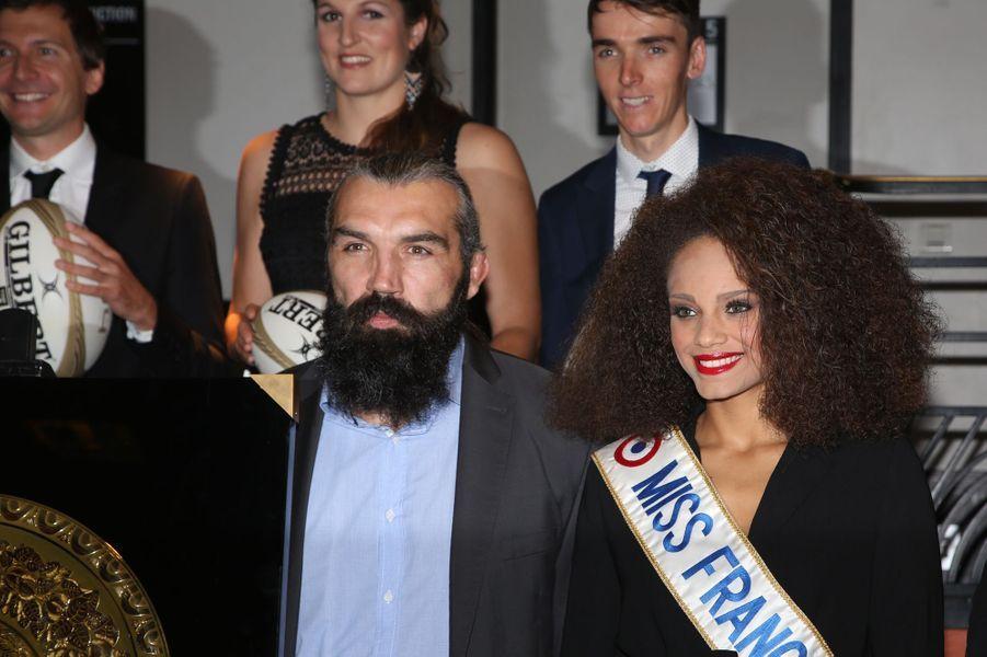 Sébastien Chabal et Alicia Ayliesàla 14ème nuit du rugby, le 18 septembre 2017 à l'Olympia.