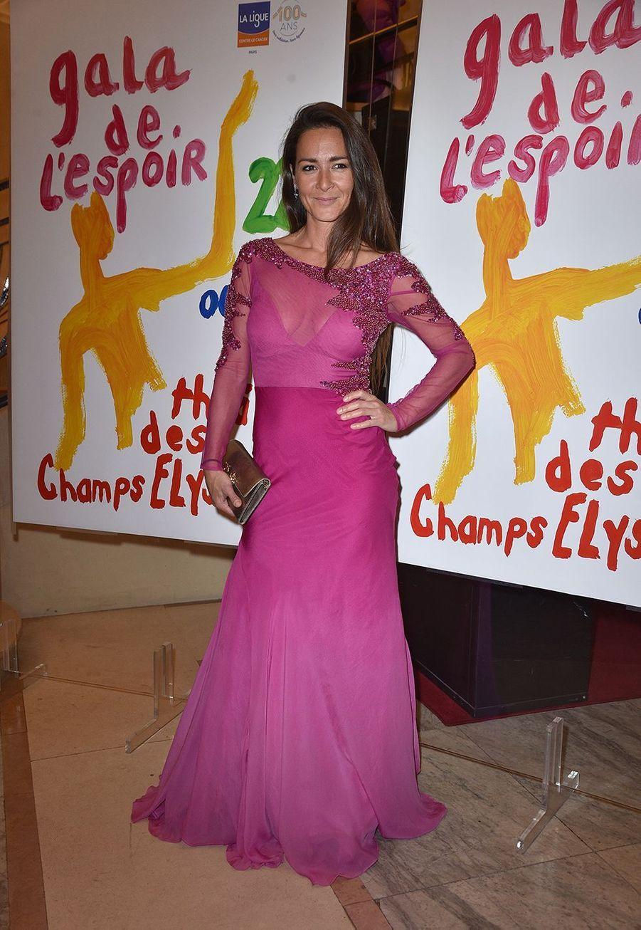 Emmanuelle Boidron(robe Christophe Guillarmé)au Gala de l'Espoir de la Ligue contre le cancer au Théâtre des Champs-Elysées à Paris le 22 octobre 2019