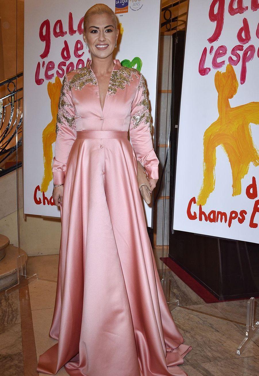 Katrina Patchett (robe Christophe Guillarmé) au Gala de l'Espoir de la Ligue contre le cancer au Théâtre des Champs-Elysées à Paris le 22 octobre 2019