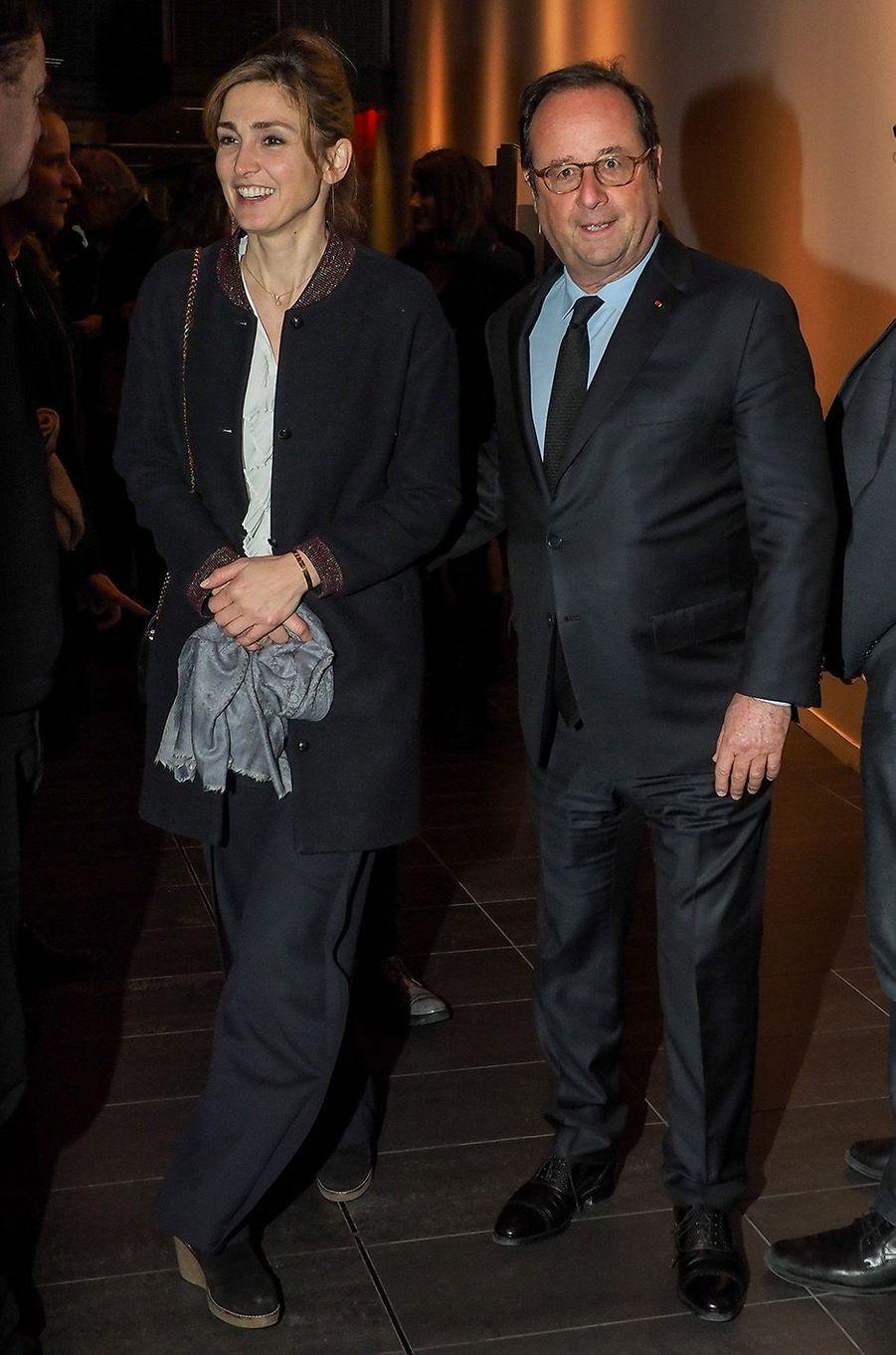 Julie Gayet et François Hollande au MK2 Bibliothèque, à Paris, le 26 janvier 2018.