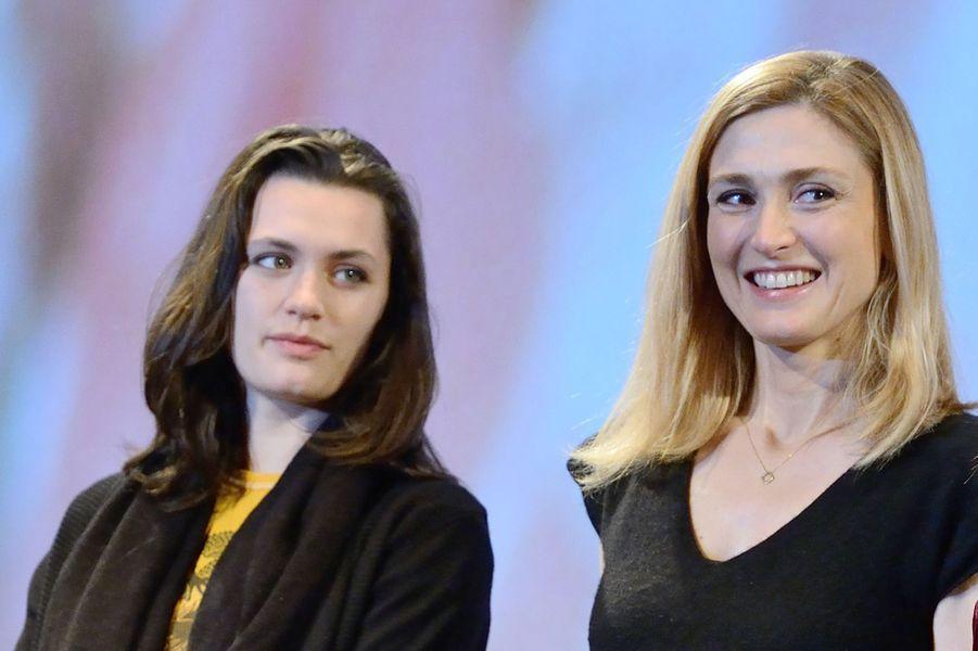 """Ella Rumpf et Julie Gayet au Fantastic'Art de Gérardmer pour """"Grave""""."""