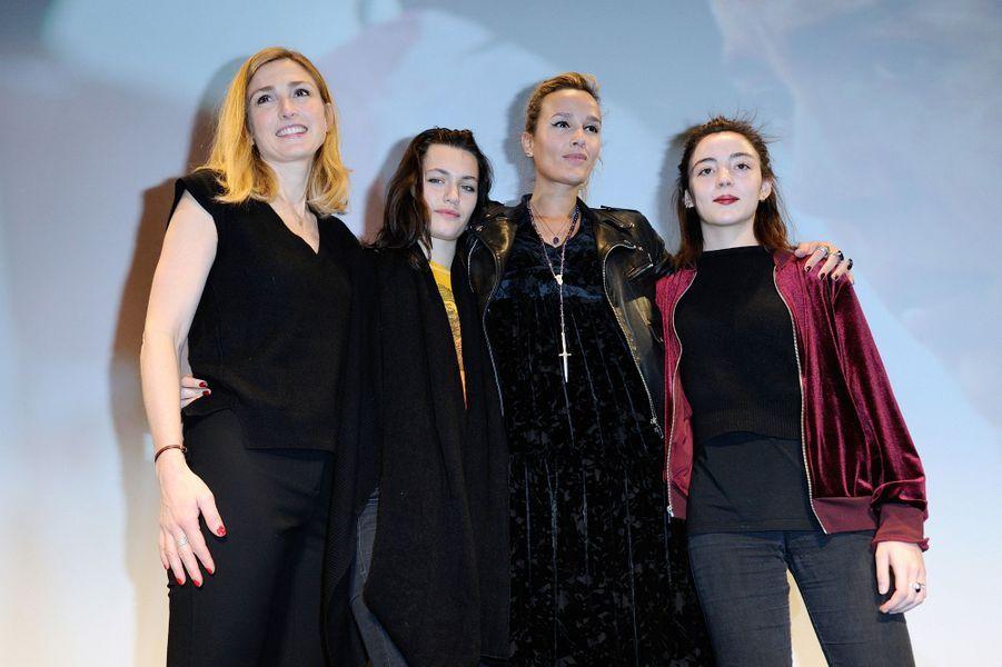 """Julie Gayet,Ella Rumpf, Julia Ducourneau, et Garance Marillier au Fantastic'Art de Gérardmer pour """"Grave""""."""