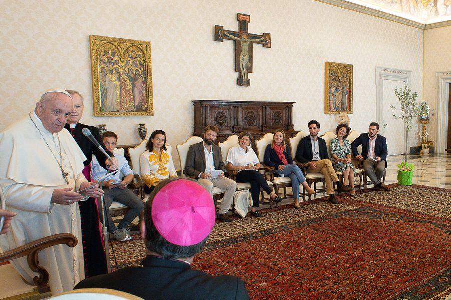 Le président de la Conférence des évêques de France, Eric de Moulins-Beaufort a organisé la rencontre du pape jeudi au Vatican avec une quinzaine de participants dont des religieux, des chercheurs en biodiversité, des cultivateurs et l'actrice engagée dans l'écologie Juliette Binoche.
