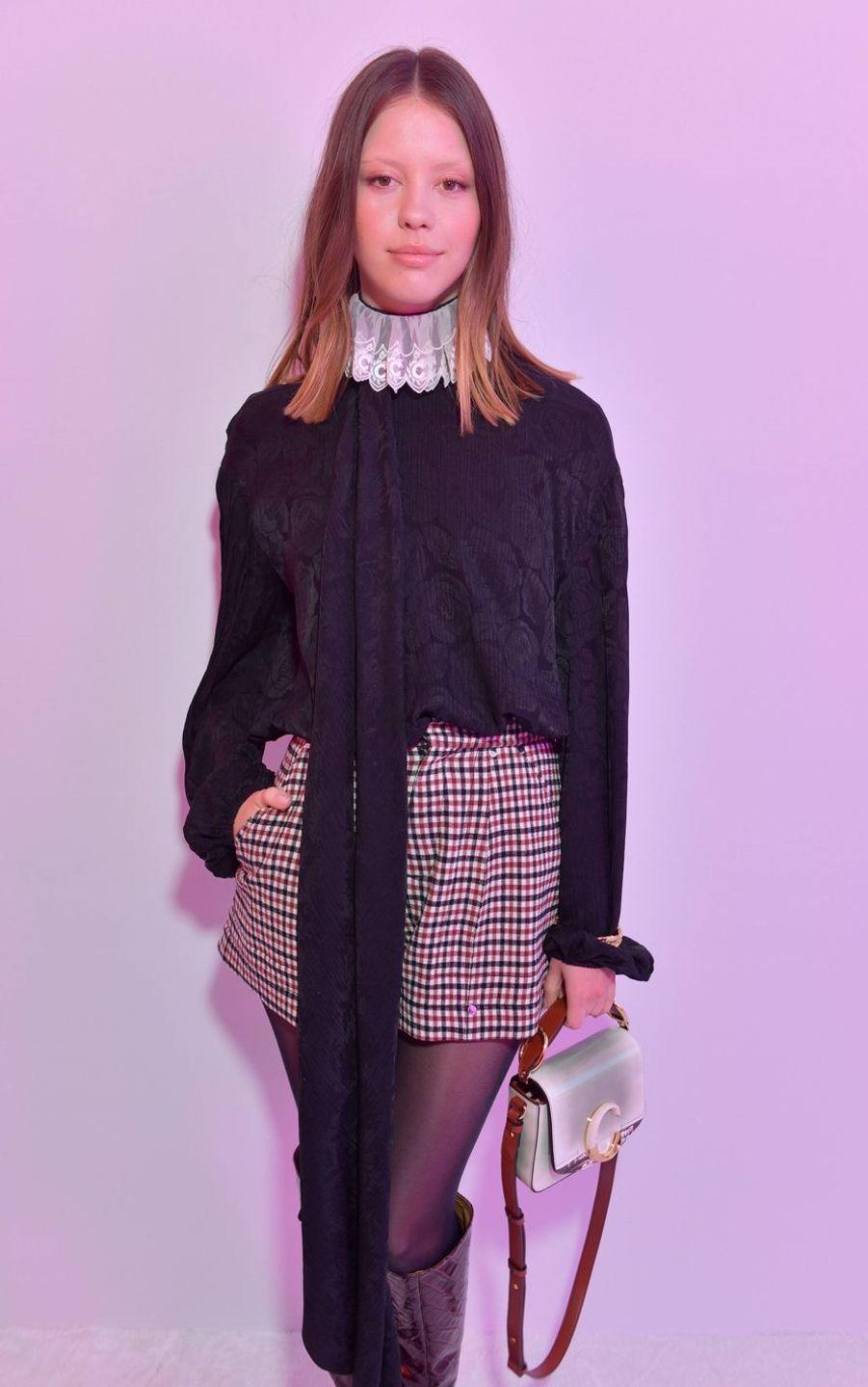 Mia Gothau défilé Chloé lors de la Fashion Week à Paris le 28 février 2019