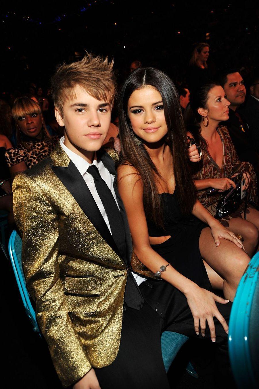Avec Selena Gomez lors des Billboard Music Awards en mai 2011 à Las Vegas