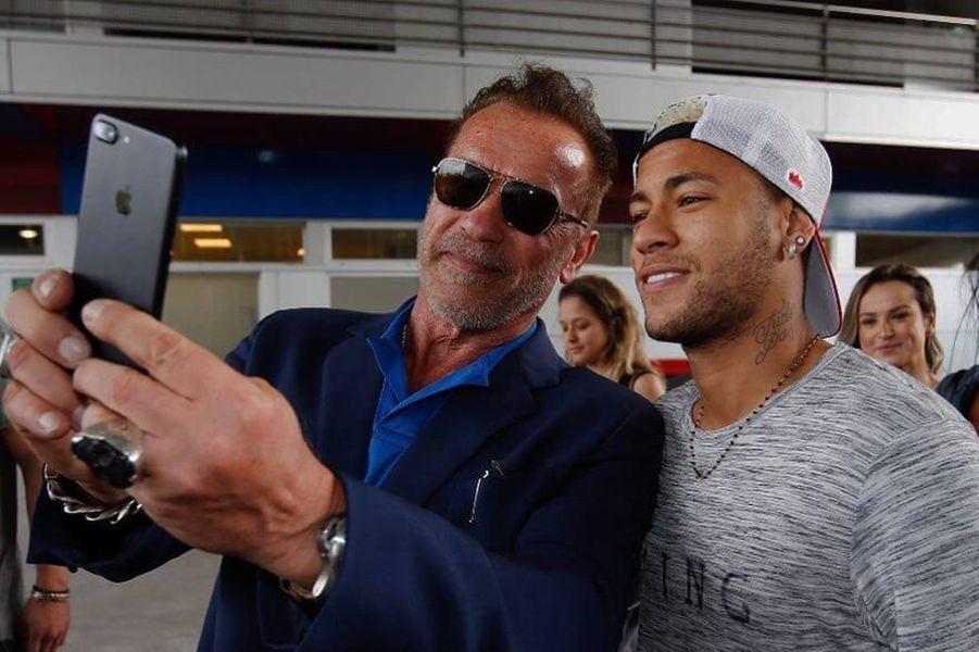 Arnold Schwarzenegger et Neymar.