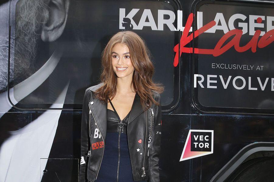 Kaia Gerber à la boutique Karl Lagerfeld à New York mercredi