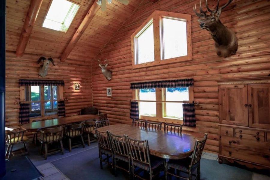 Kanye West a acheté un deuxième ranch de 3 356 hectares dans le Wyoming pour 14 millions de dollars, soit deux mois à peine après sa première acquisition.