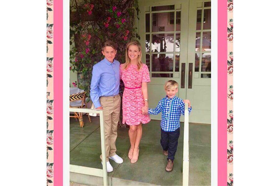 Reese Witherspoon et ses garçons pour la Saint-Valentin