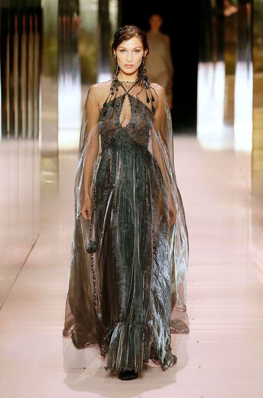Bella Hadid au défilé Fendi à Paris le 27 janvier 2021