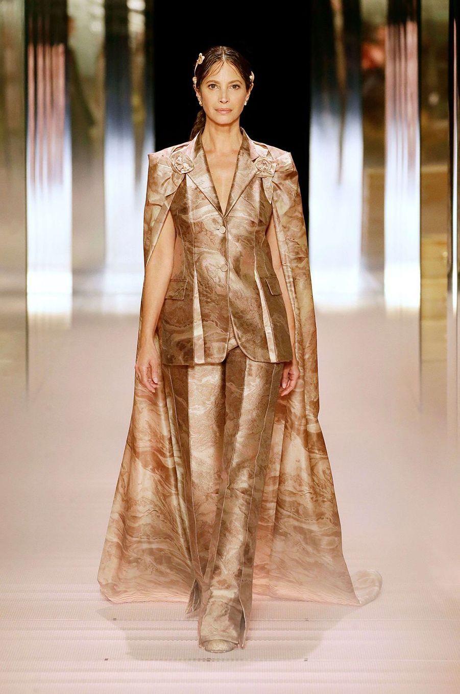 Christy Turlingtonau défilé Fendi à Paris le 27 janvier 2021