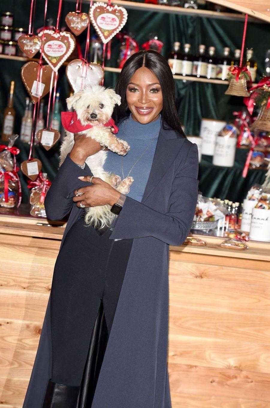 Naomi Campbell à l'ouverture du marché de Noël de Henndorf en Autriche le 13 novembre 2018