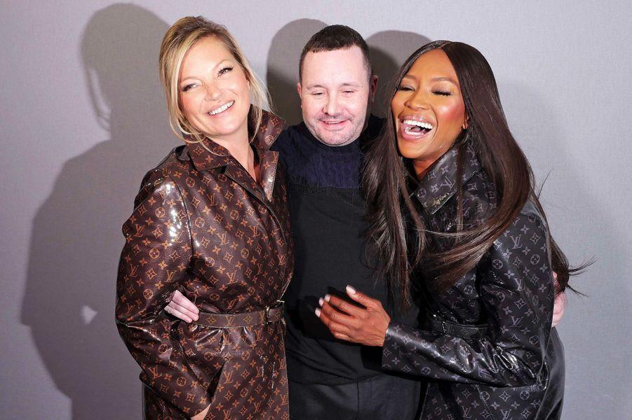 Kim Jones accompagné de Naomi Campbell et Kate Moss