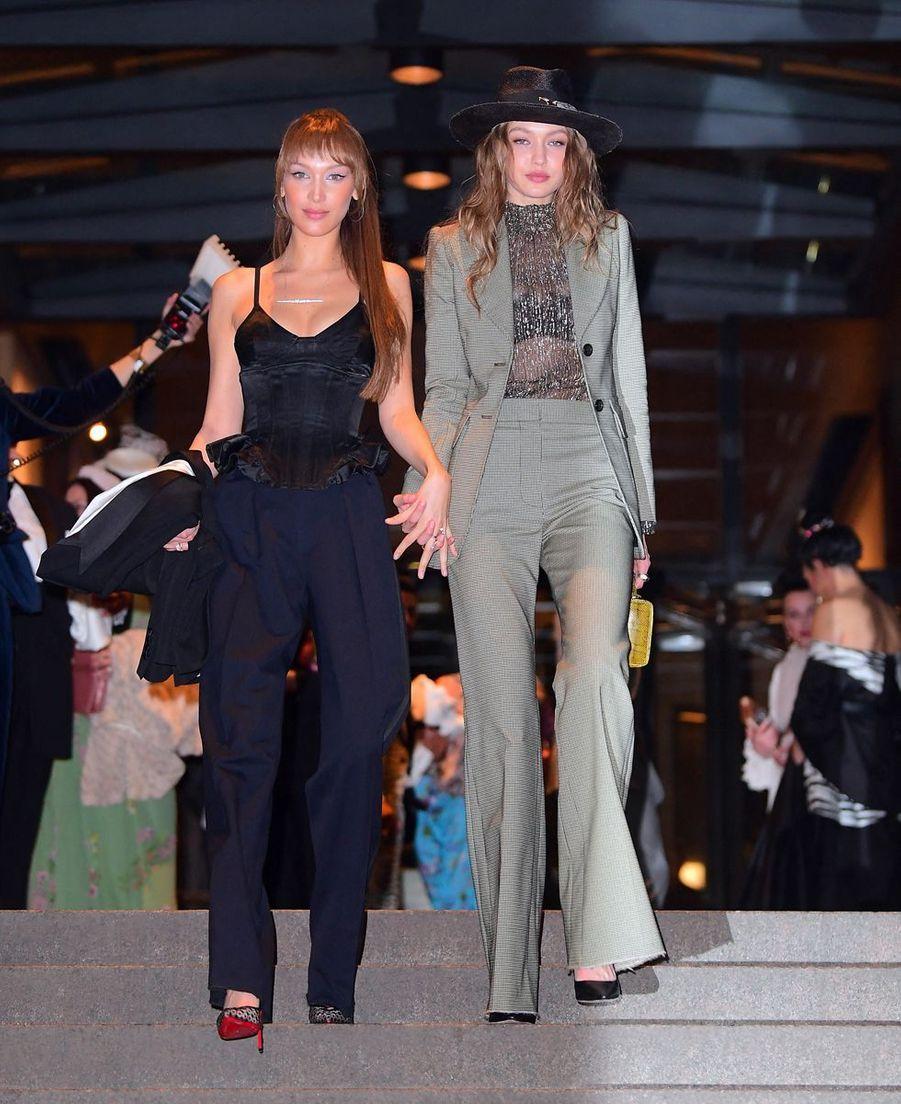 Bella et Gigi Hadidau mariage de Marc Jacobs etChar Defrancesco à New York le 6 avril 2019