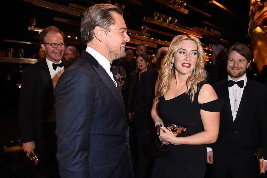 Kate Winslet et Leonardo DiCaprio aux BAFTA 2016.