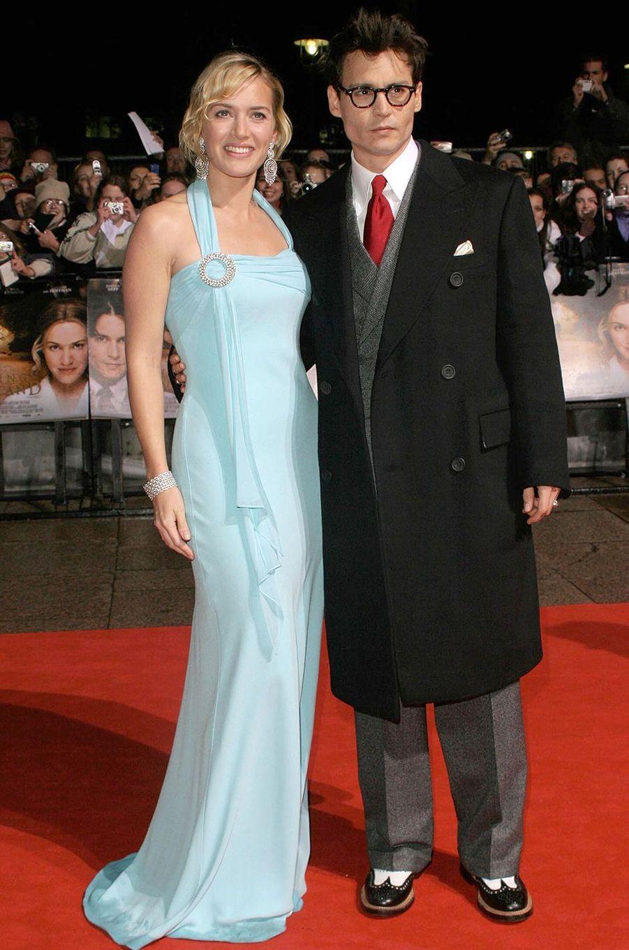 Kate Winslet (et Johnny Depp) à l'avant-première du film «Neverland» à Londres en octobre 2004