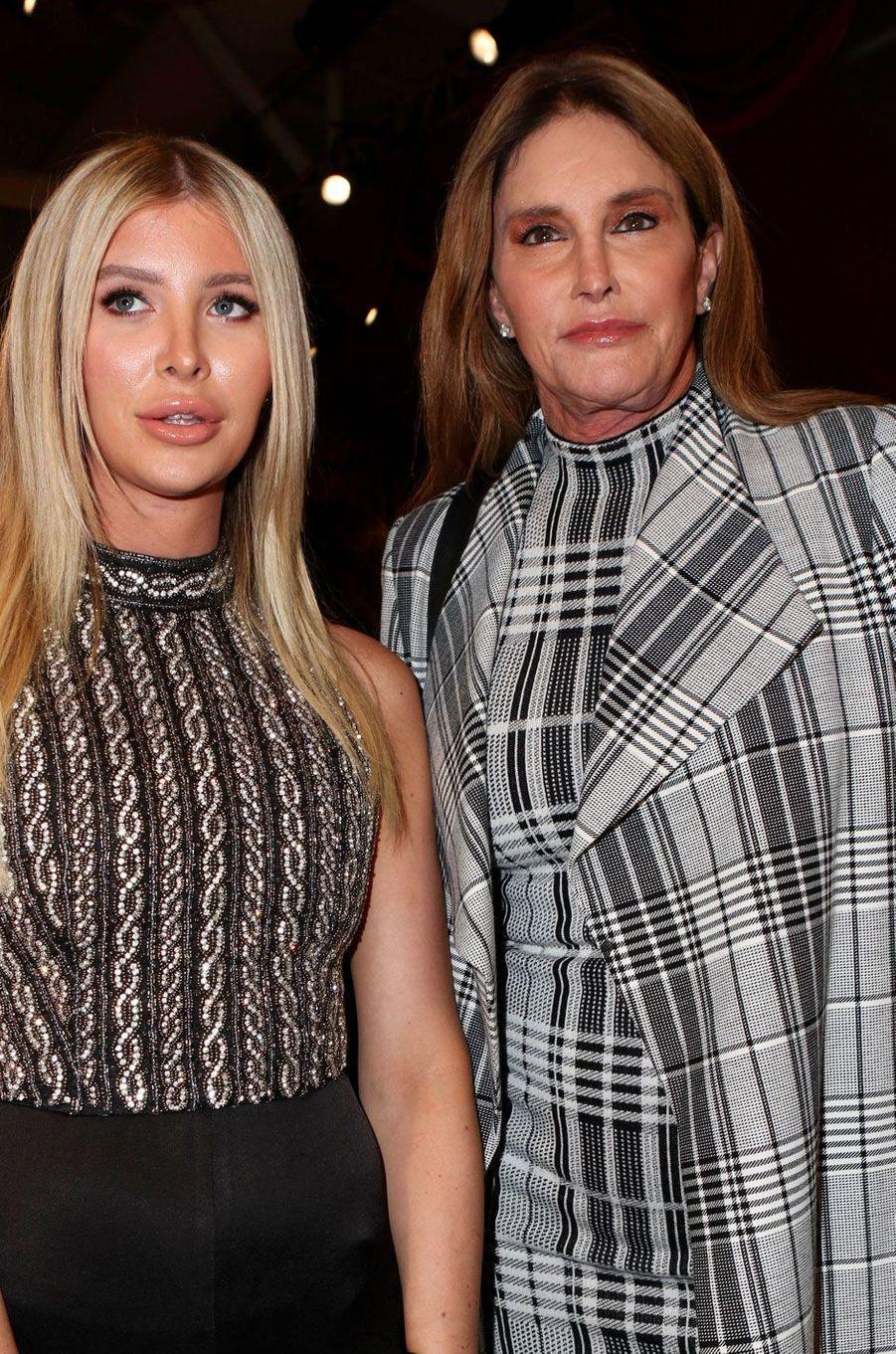 Caitlyn Jenner et Sophia Hutchins au défilé Alice & Olivia à New York le 11 septembre 2018