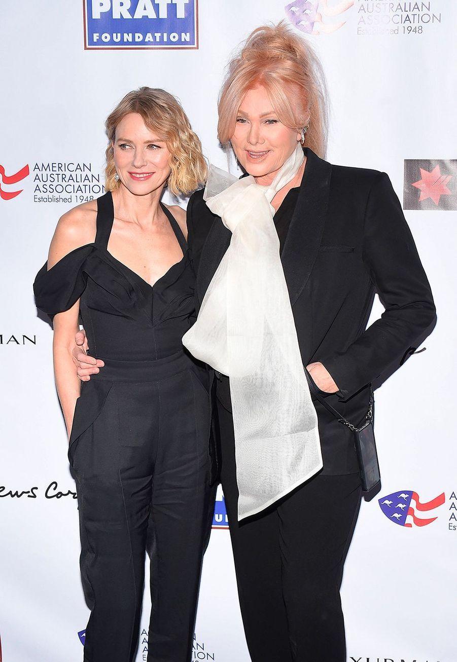 """Naomi Watts et Deborra Lee Furnesslors dela soirée des """"American Australian Association Arts Awards"""" à New York, le 30 janvier 2020."""