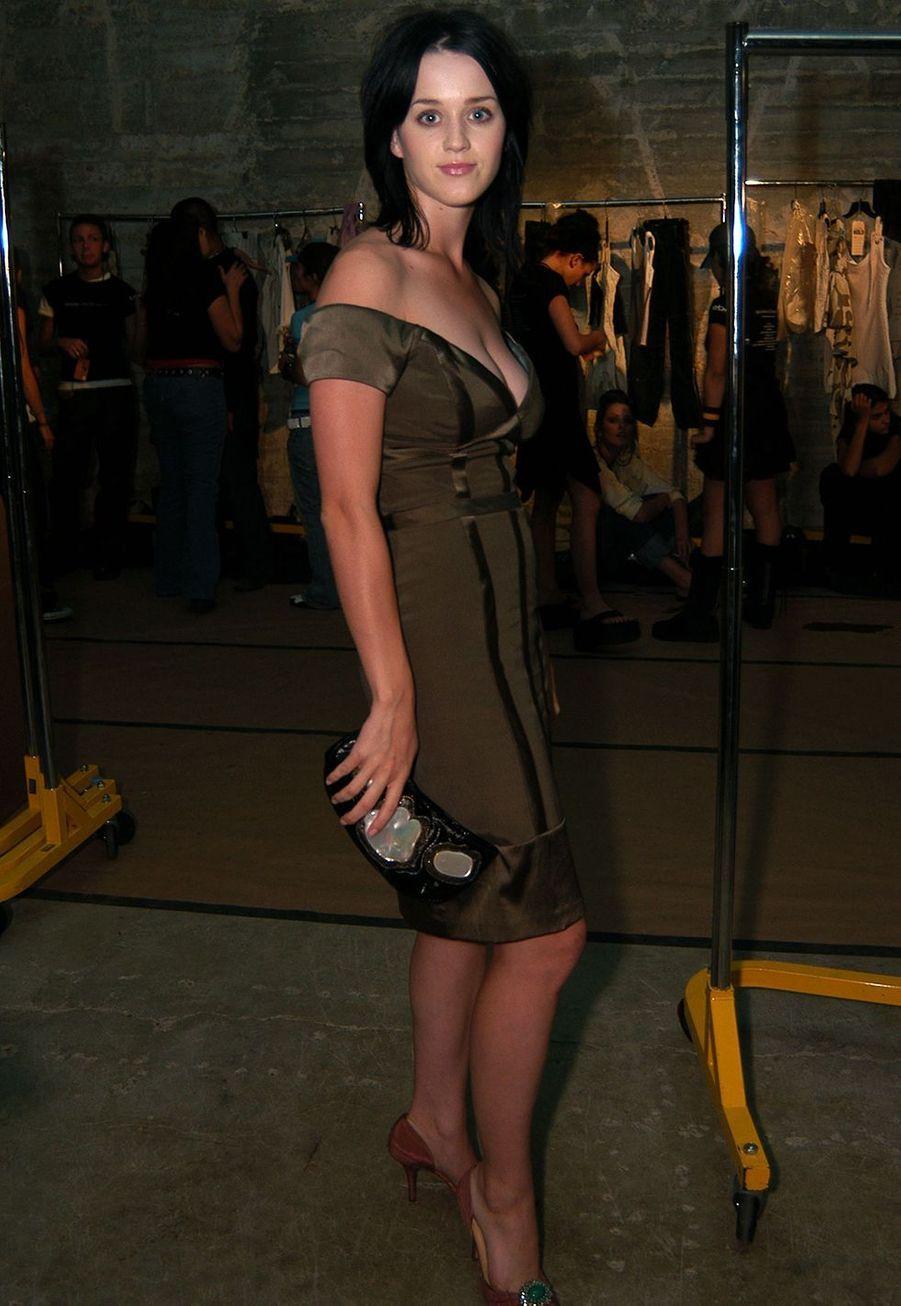 Katy Perry à la Fashion Week de Los Angles en octobre 2003.