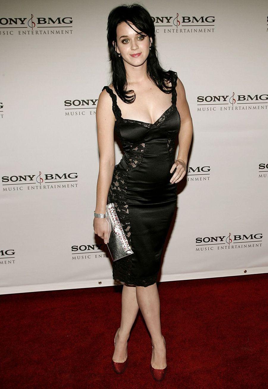 Katy Perry très sexy à Hollywood en février 2006.