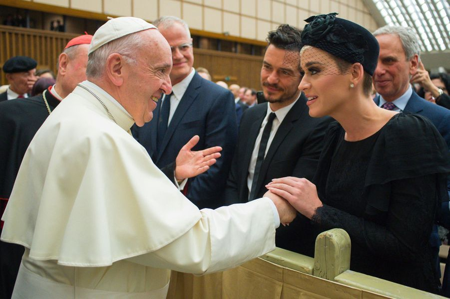 Katy Perry et Orlando Bloom rencontrent le pape François