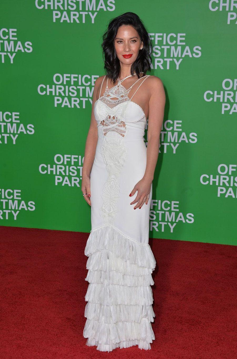 Olivia Munn pour la première de «Joyeux Bordel! »