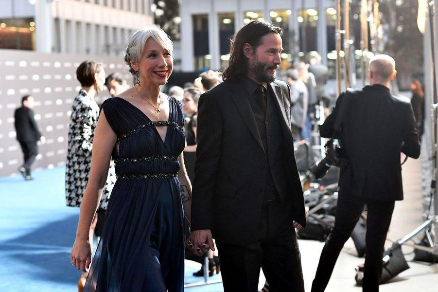 Amour: Keanu Reeves présente enfin sa compagne - People