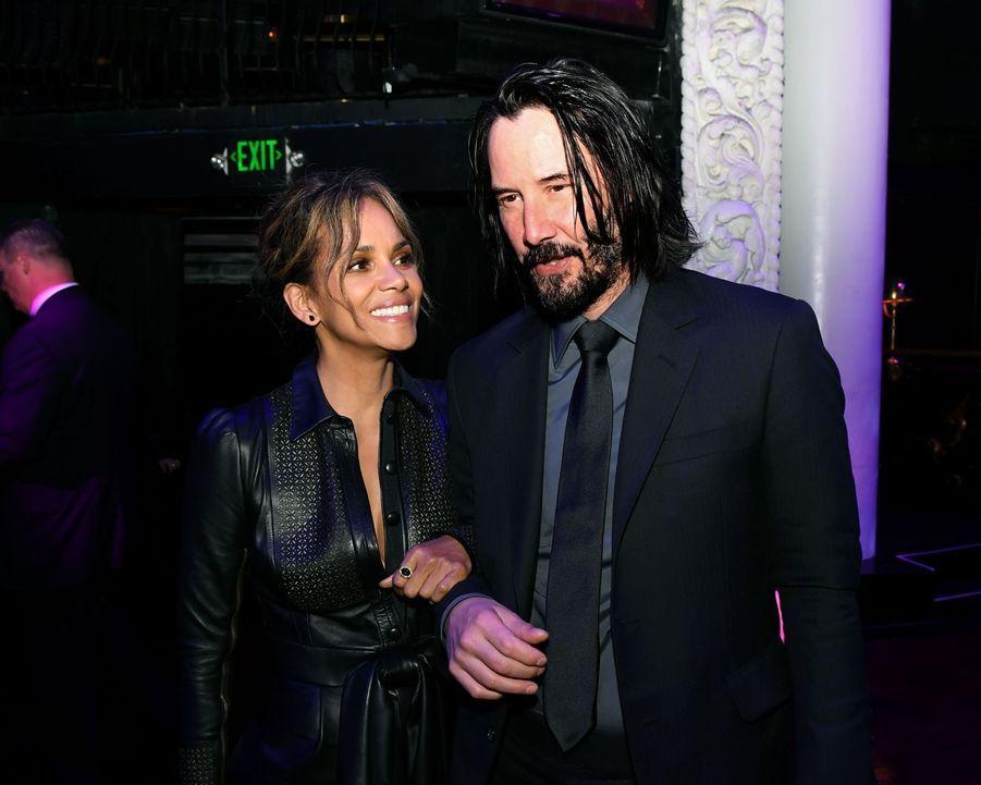 Keanu Reeves en 2019 avec Halle Berry pour «John Wick 3»