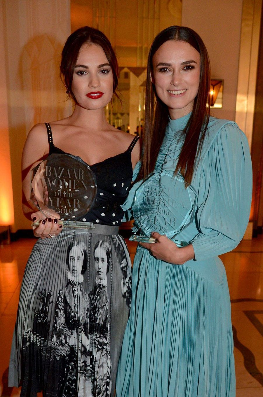 Lily James et Keira Knightley