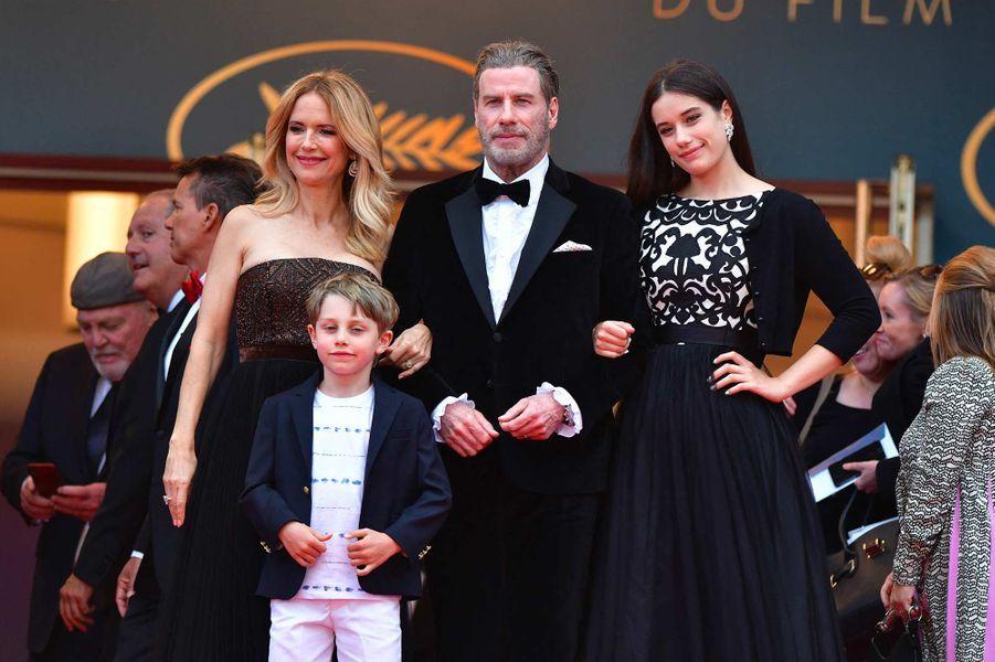 John Travolta et Kelly Preston avec leur fils Benjamin et leur fille Ella au festival de Cannes, en mai 2018.