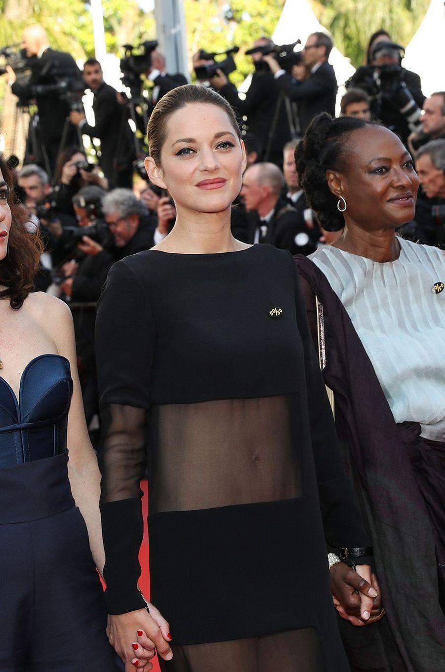 Marion Cotillard a osé la transparence à Cannes.