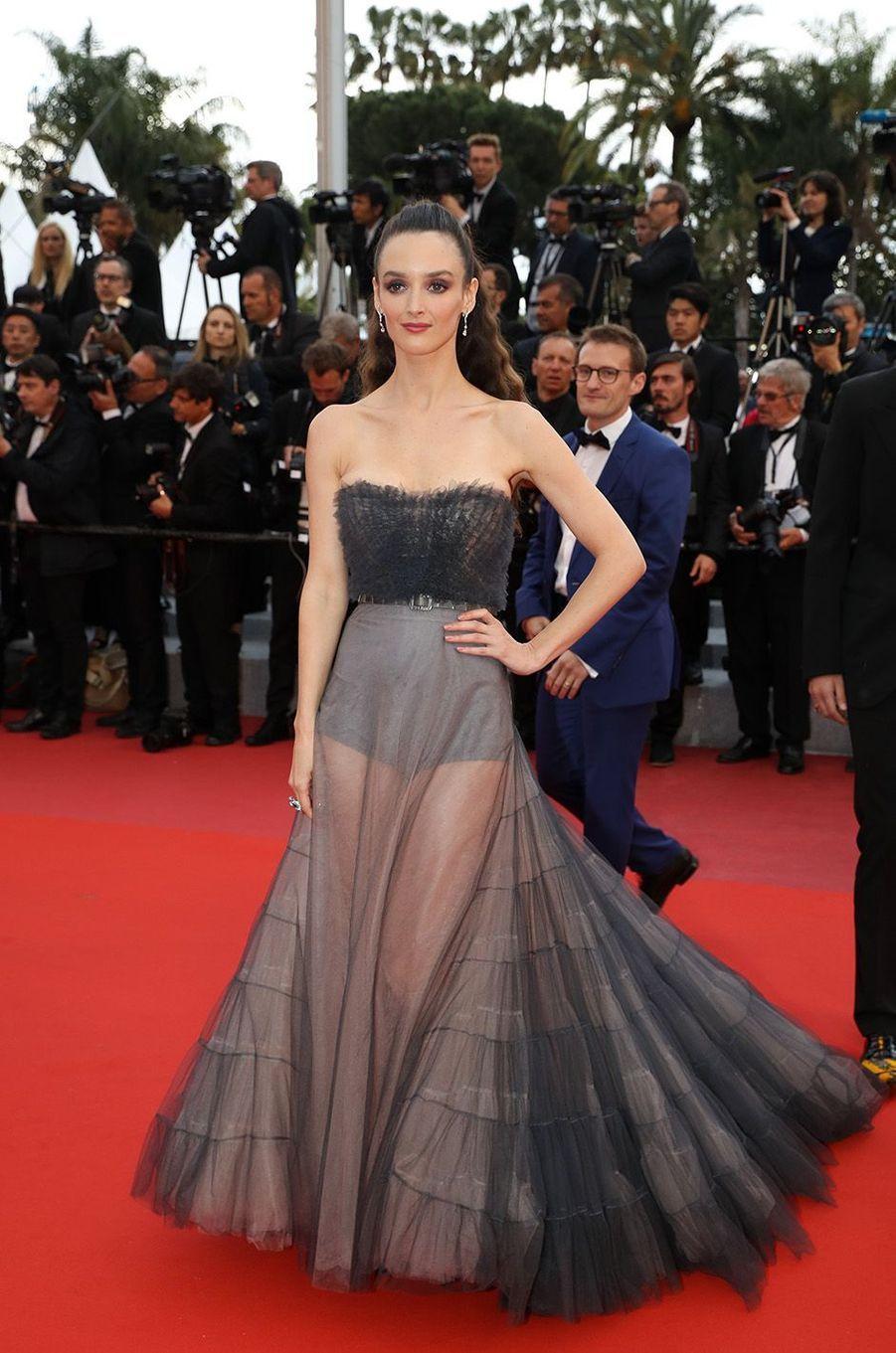 Charlotte Le Bon a osé la transparence à Cannes.