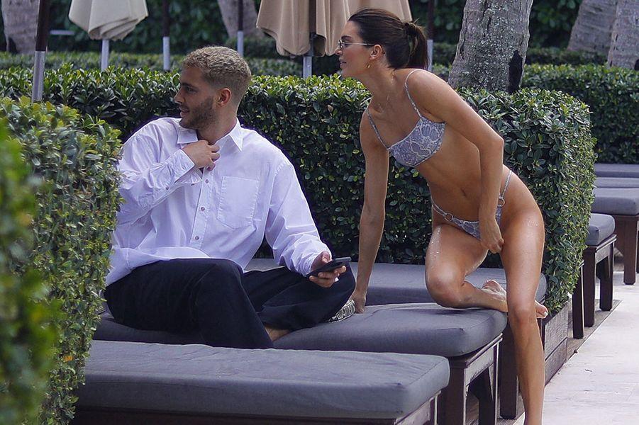 Kendall Jenner et son ami Fai Khadra à Miami le 4 décembre 2019