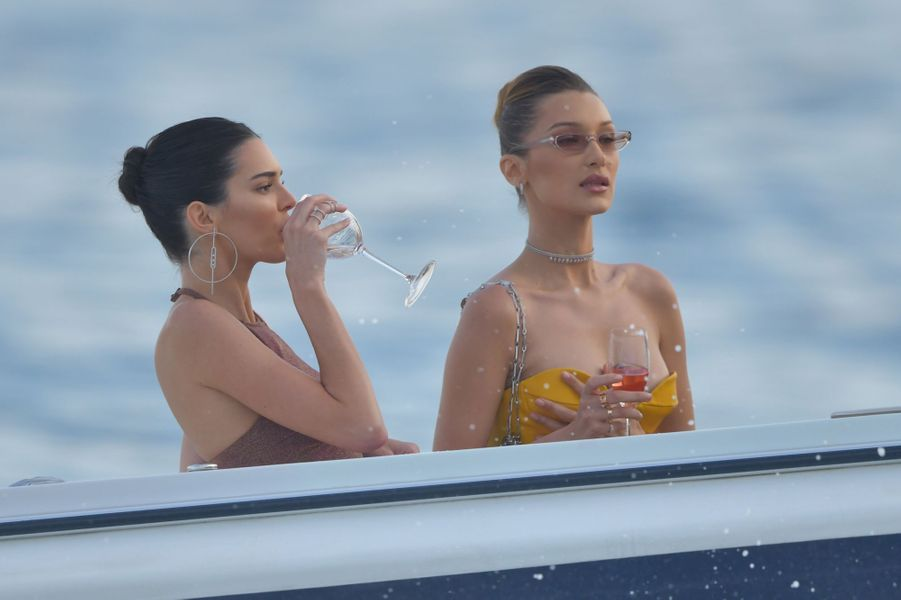 Kendall Jenner et Bella Hadid à Monaco le 25 mai 2019