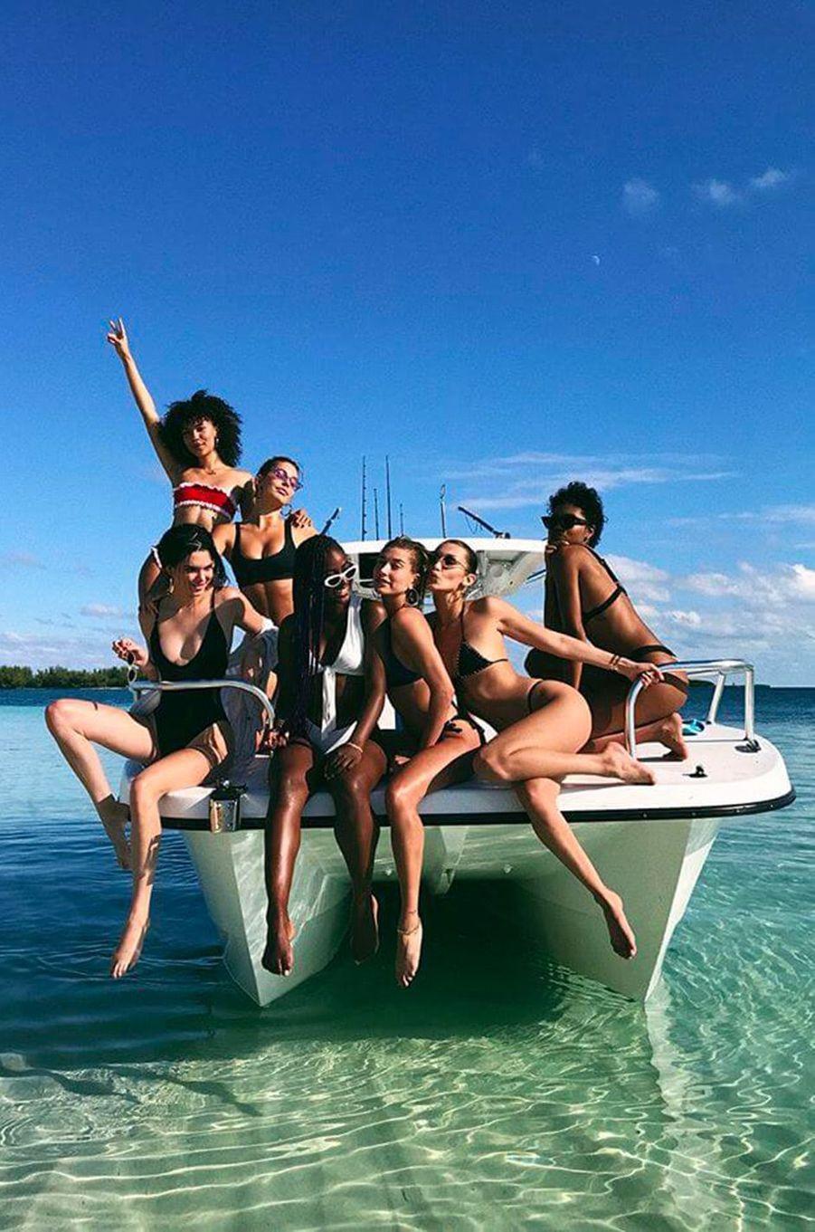 Kendall Jenner, Hailey Baldwin, Bella Hadid et leurs amies en vacances aux Bahamas