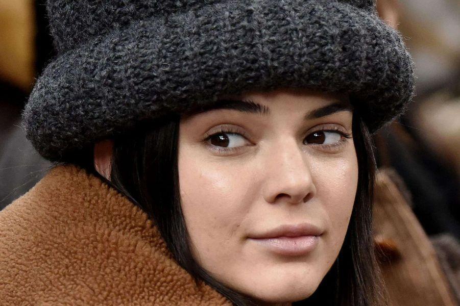 Zoom sur le maquillage de Kendall Jenner au défilé Marc Jacobs.