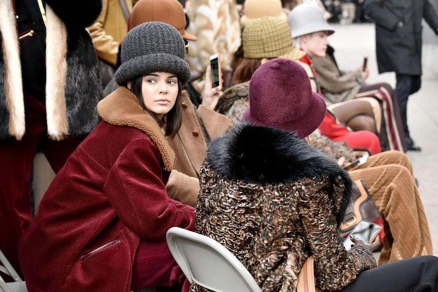 Kendall Jenner pose au défilé Marc Jacobs, à New York.