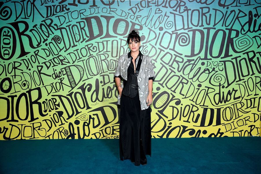 Lily Allenassiste au défilé automne-hiver 2020 Dior à Miami le 3 décembre 2019.