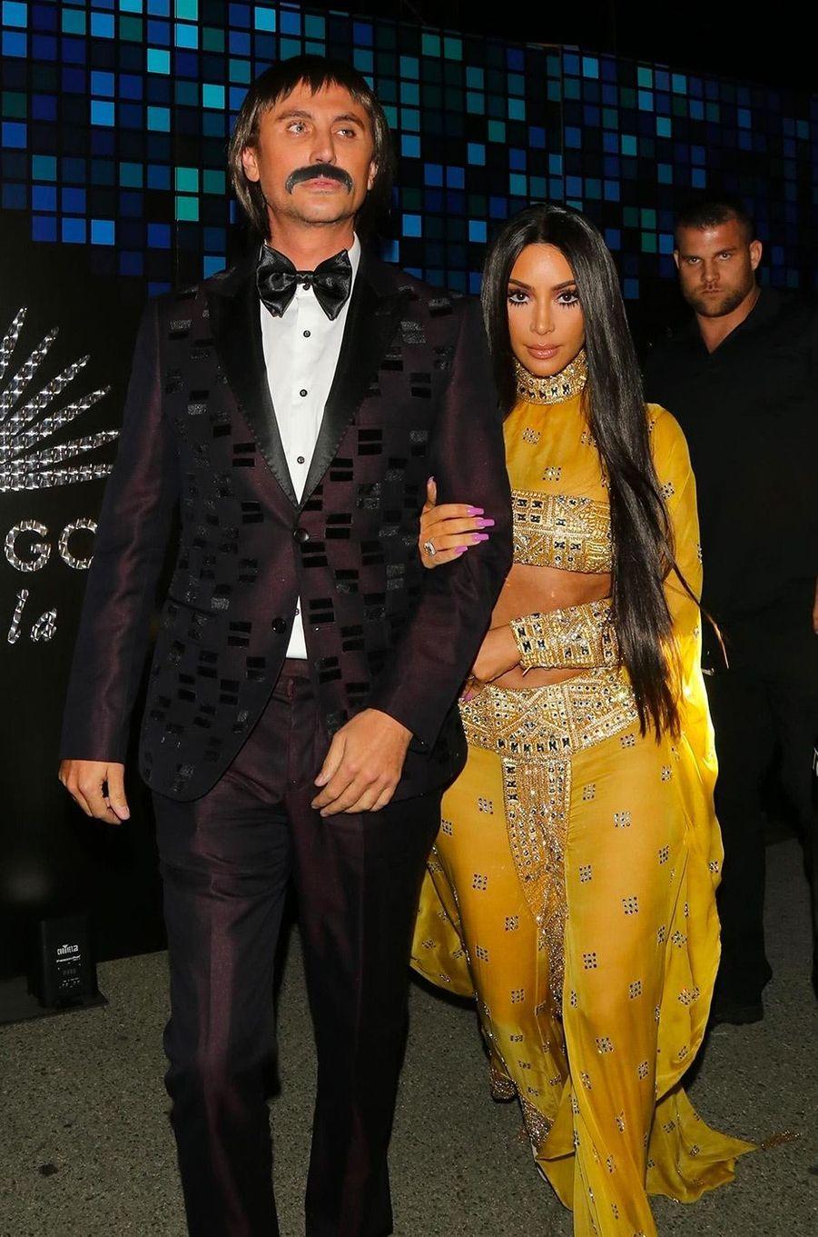 Les déguisements de Kim Kardashian et son ami Jonathan Cheban pour Halloween