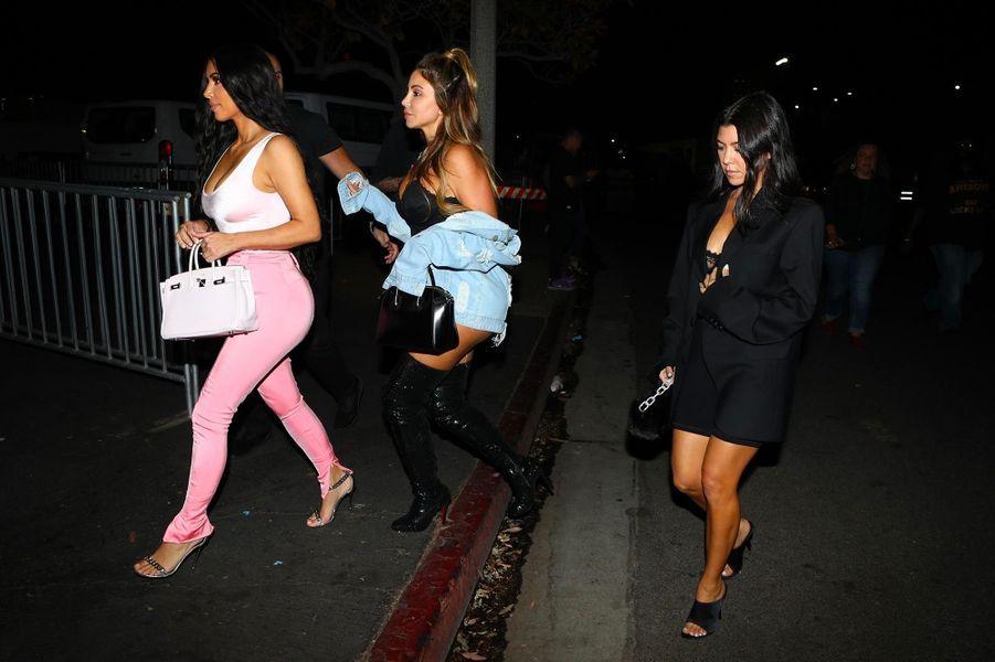 Kim Kardashian avec Larsa Pippen et Kourtney Kardashian au concert de Beyoncé et Jay Z, à Los Angeles, dimanche 23 septembre
